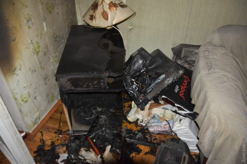 На Таирова чуть не сгорела квартира из-за закоротившего телевизора