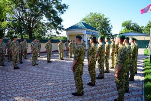 Измаильский погранотряд пополнился дюжиной молодых офицеров (фото)