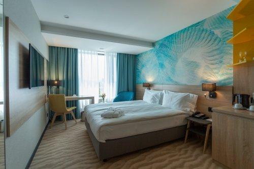 В Одессе открыли крупнейший пятизвездочный отель (фото)