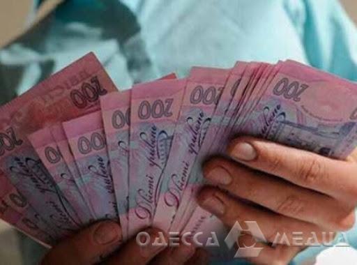 Почти 10 млн гривен надо на страхование медиков Одессы от COVID-19