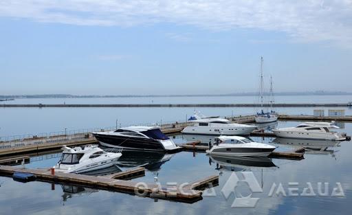 Президент Украины пообещал построить в Одессе большую стоянку для яхт и новый порт