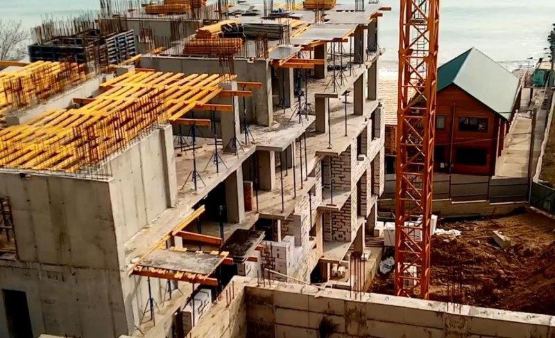 На пляже в Крыжановке строят 16-этажку в оползнеопасной зоне