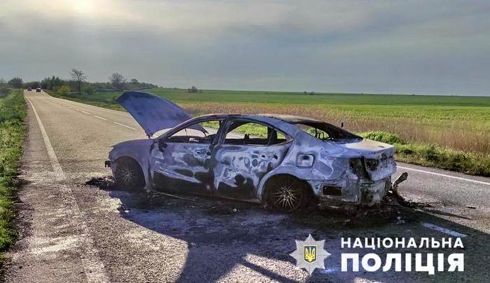 На трассе Одесса-Рени сгорел полностью Lexus