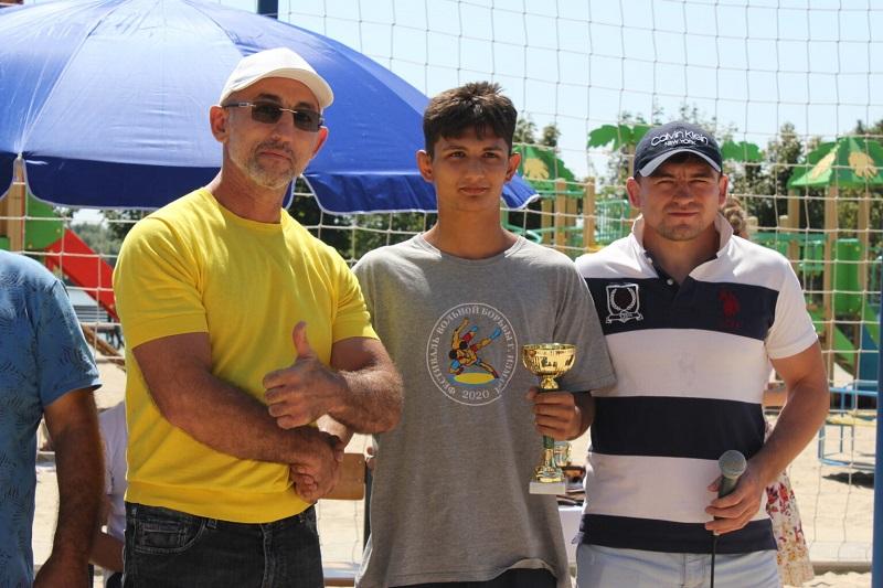 В Измаиле прошел 3-й Кубок Бессарабии по пляжной борьбе (фото)
