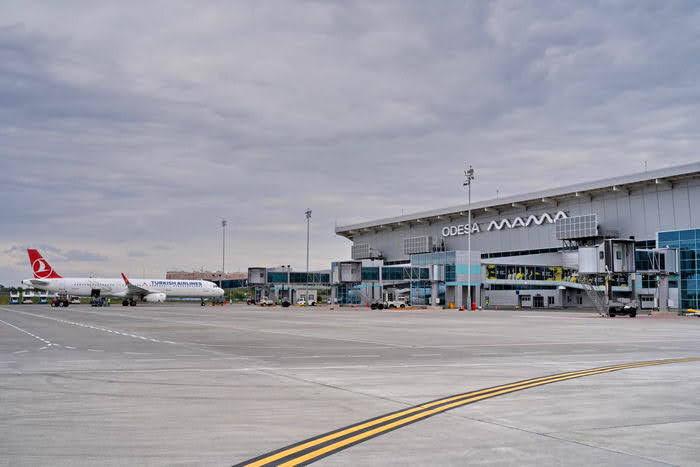 Теперь удобнее: в одесском аэропорту заработали телескопические трапы