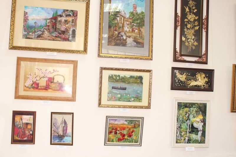 В Измаиле открылась третья персональная выставка мастера ДПИ Тамары Затынченко