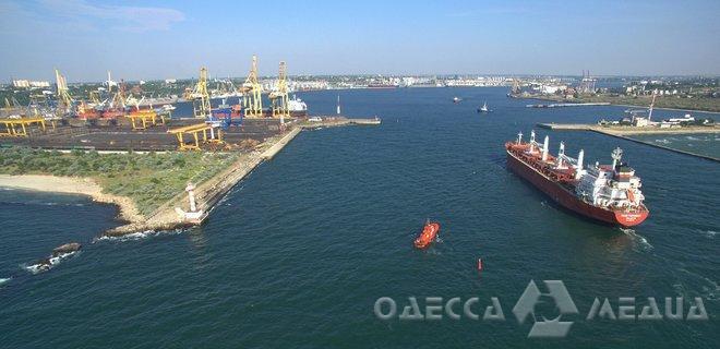 Инвестор построит в порту Черноморска новый пирс для больших судов