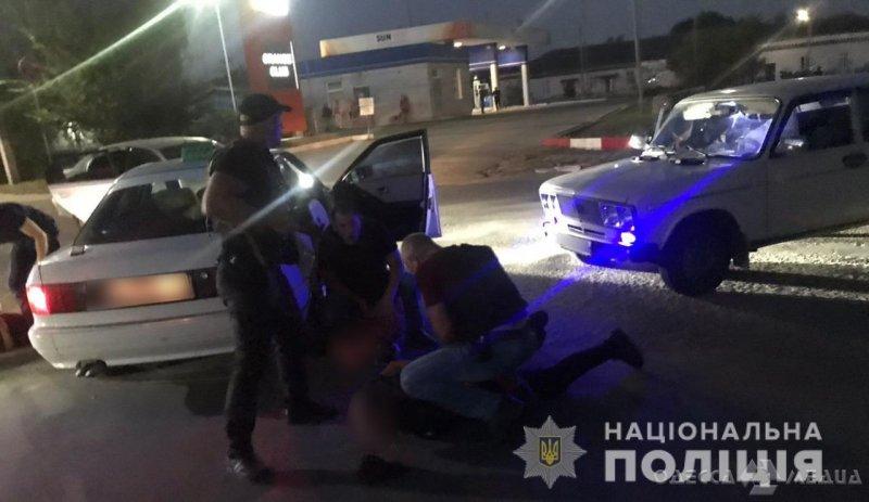 Требовали деньги и угрожали: в Одесской области задержали банду вымогателей (фото, видео)
